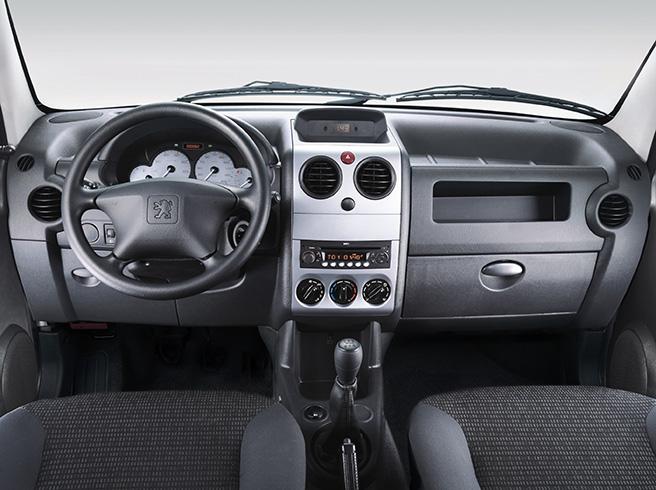 1.6 FURGÃO 800KG 16V FLEX 3P MANUAL